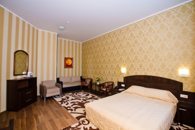 Spacious Junior Suite with one King Size bed or 2 twin beds