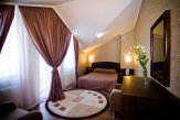 Spacious 2-rooms Luxury Suite with one King Size bed